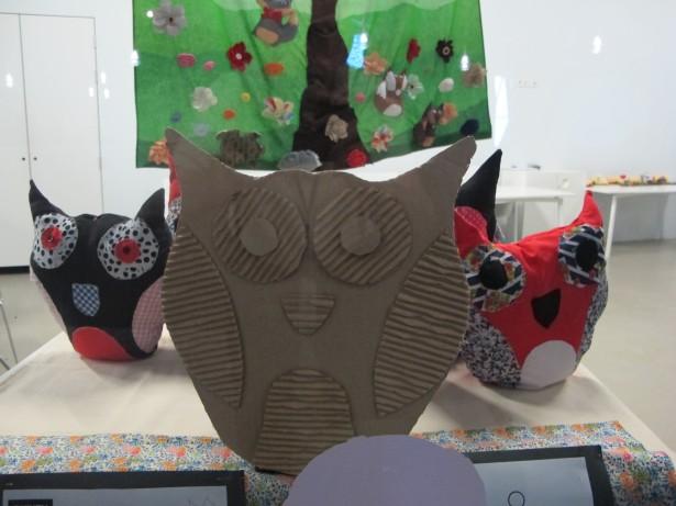 Mostra de treballs del grup de Dones del Barri.