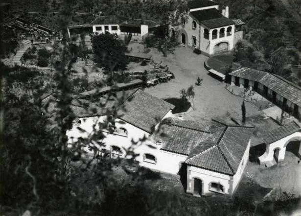 Exposició Internacional de Barcelona Vista aèria de la instal•lació dels ramaders del Regne. Foto de l'Arxiu Fotogràfic de Barcelona